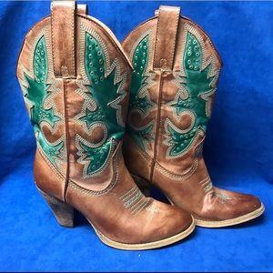 Very volatile women's cowboy boots